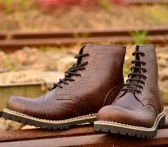 harga sepatu boots pria